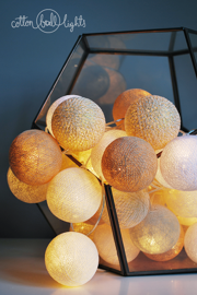 Cotton Ball Lights :: Świetlna girlanda Sable 50 kul